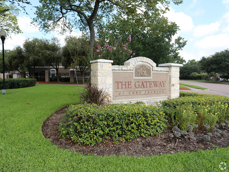 The Gateway at Lake Jackson